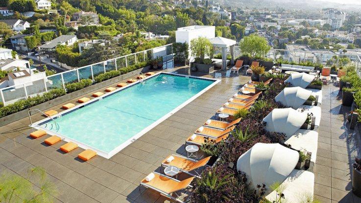 アンダーズ・ウエスト・ハリウッドのプール