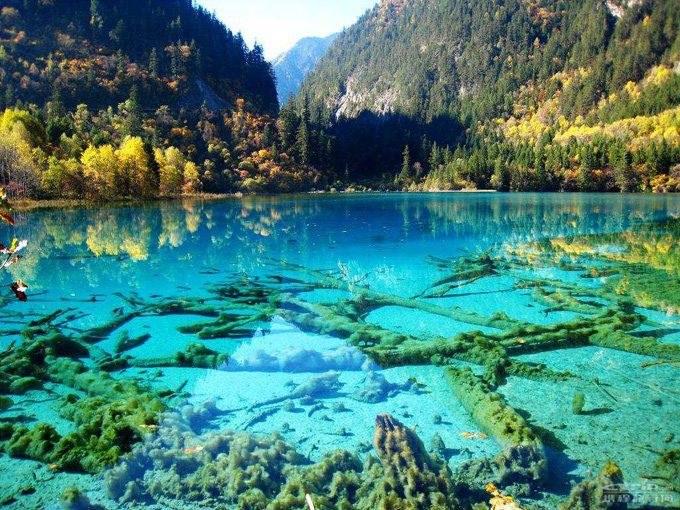 死ぬまでに行きたい世界の絶景。季節によって美しさを変える「九寨溝」