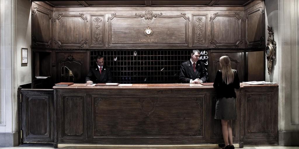 ホテル・プラザ・アテネのコンシェルジュ