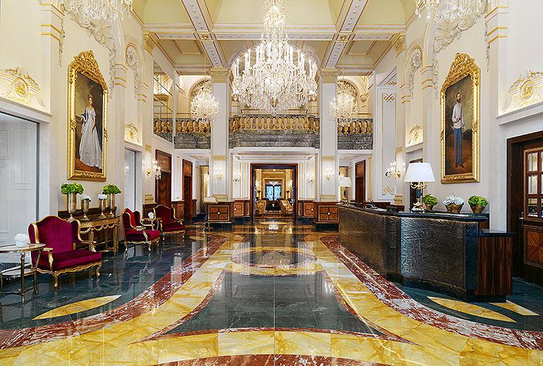 ホテル・インペリアルのロビー