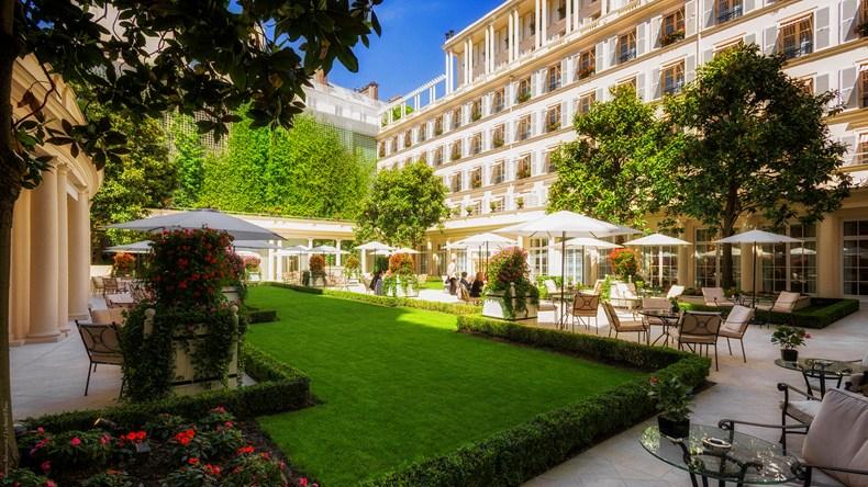 最初にパラス認定を受けたパリ随一の名門ホテル「ル・ブリストル・パリ」