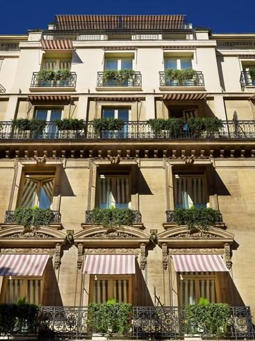 数々の美術品に彩られるディートリッヒのパリの定宿「ホテル・ランカスター」
