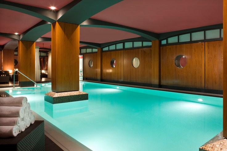 ホテル・フーケッツ・バリエールのプール