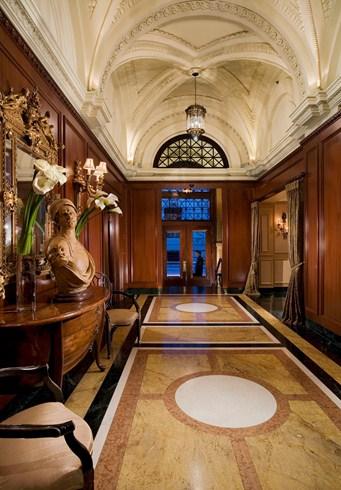 ホテル・ル・セント・ジェームスのロビー