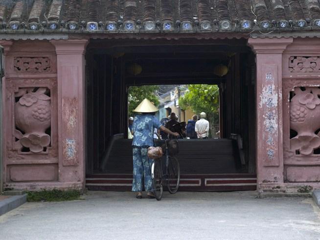 ナム・ハイ・ホイアンからリムジンで15分の世界遺産の古都ホイアン