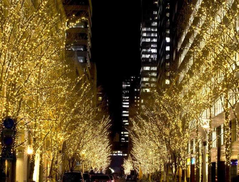 """""""シャンパンゴールド""""が東京を彩る「丸の内イルミネーション2016」が開催中♪"""