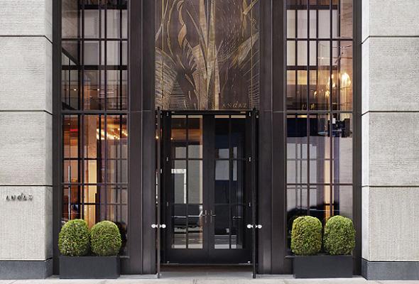 戦前のニューヨークの高級アパートメントを思わせる「アンダーズ・フィフス・アベニュー」