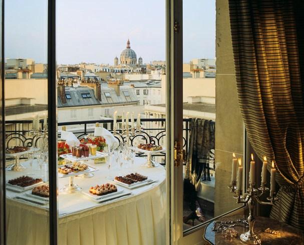 ル・ブリストル・パリの客室からの景色
