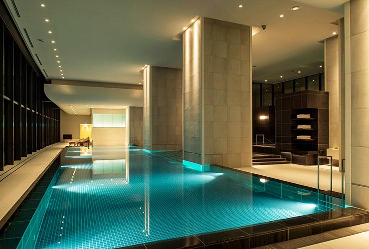 アンダーズ東京のプール