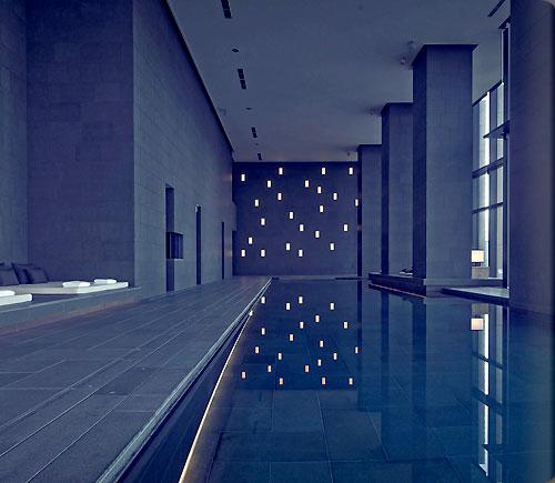 アマン東京のスイミングプール