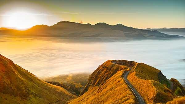 熊本屈指の絶景「天空(ラピュタ)の道」