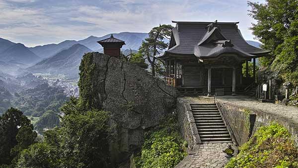 山中随一の絶景が一望できる「山寺・立石寺」