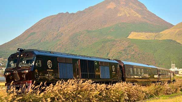 JR九州の豪華寝台列車「ななつ星」