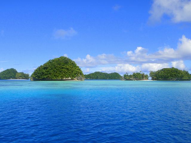 マッシュルーム状の島々