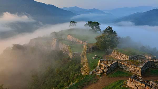 「竹田城跡」の雲海