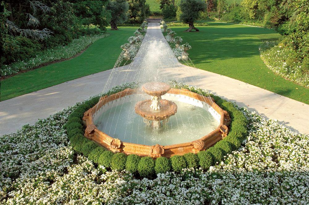 ビブロス・アート・ヴィラ・アミスタの庭園