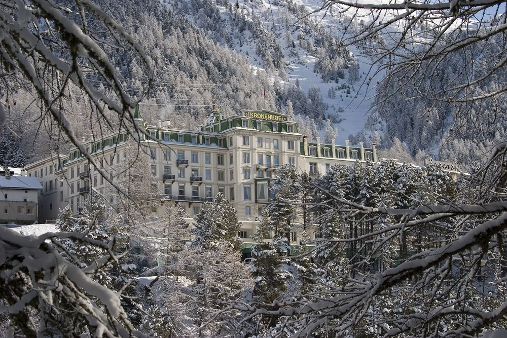 グランド・ホテル・クローネンホフの冬の外観