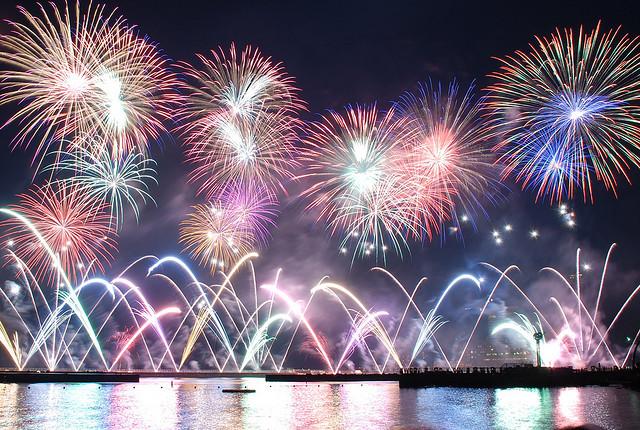 温泉と花火をダブル満喫できる「熱海海上花火大会」が素敵すぎる♡