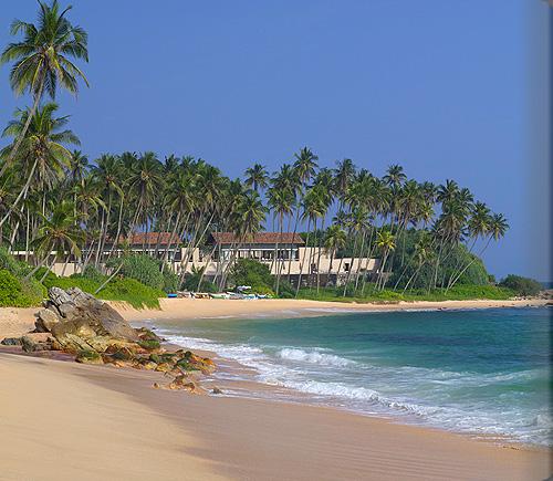 美しきスリランカの南端に建つ平和なビーチリゾート「アマンウェラ」