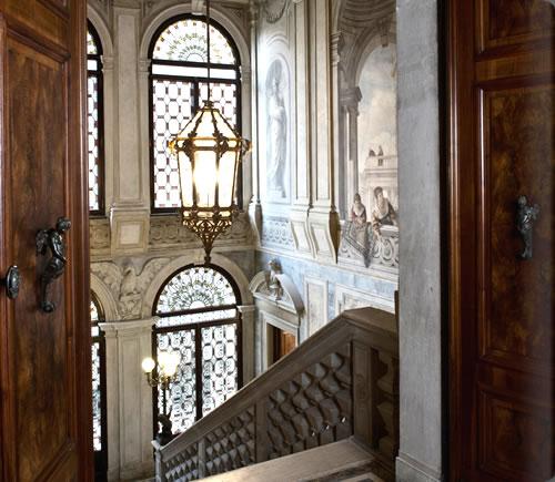 アマン・カナルグランデ・ヴェニスの階段