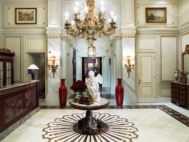 ホテル・ザッハー・ウィーンのエントランス