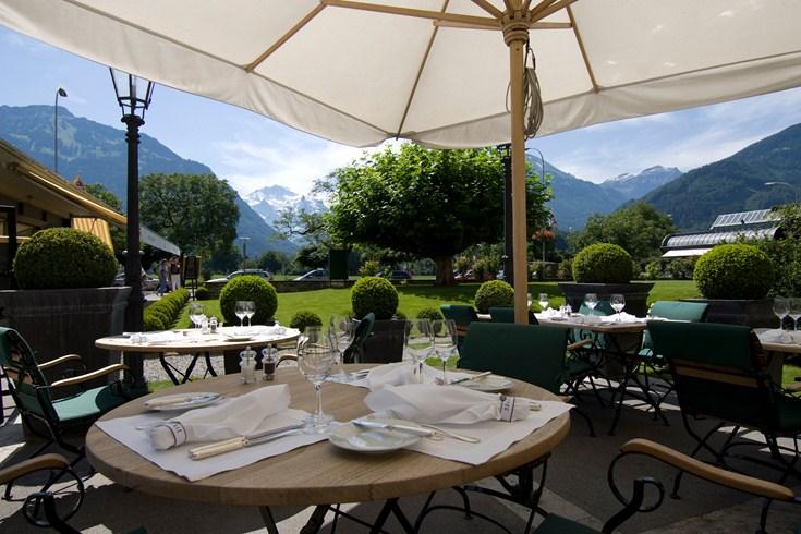 ヴィクトリア・ユングフラウ・グランド・ホテル&スパのレストランテラス