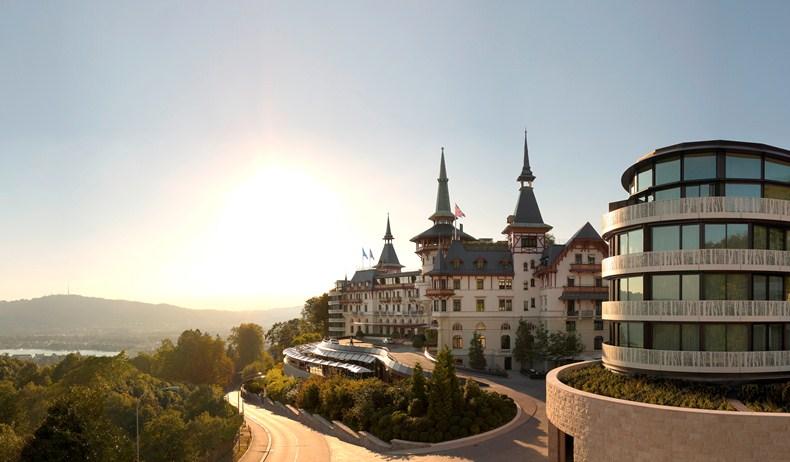 優雅な滞在を愉しむチューリッヒ随一の5つ星ホテル「ザ・ドルダー・グランド」