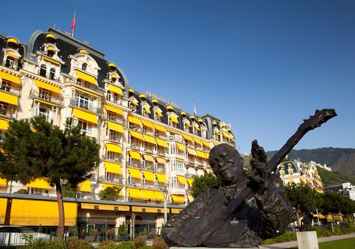 フェアモント・ル・モントルー・パレスの外観
