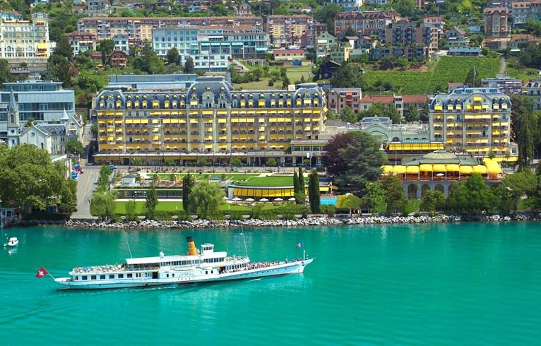 数多のミュージシャンに愛されるスイスの名門ホテル「フェアモント・ル・モントルー・パレス」