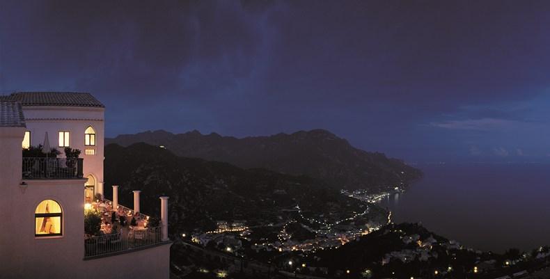 ベルモンド・ホテル・カルーソからの夜景