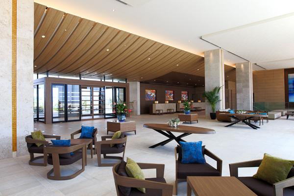 ヒルトン沖縄北谷リゾートのロビー風景
