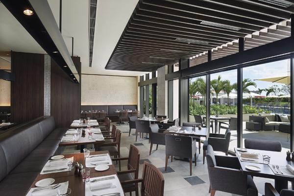ヒルトン沖縄北谷リゾートのレストラン