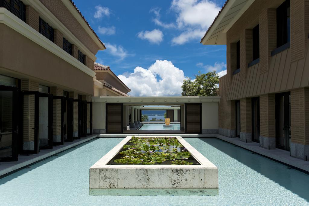 ザ・リッツ・カールトン沖縄のフロアからの眺め