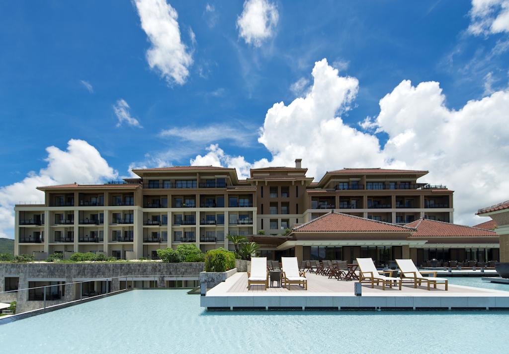 極上リゾートで癒しの時間を満喫する「ザ・リッツ・カールトン沖縄」