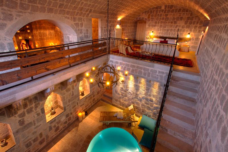 遺跡をリノベーションしたユニークで上質な洞窟ホテル「アルゴス・イン・カッパドキア」