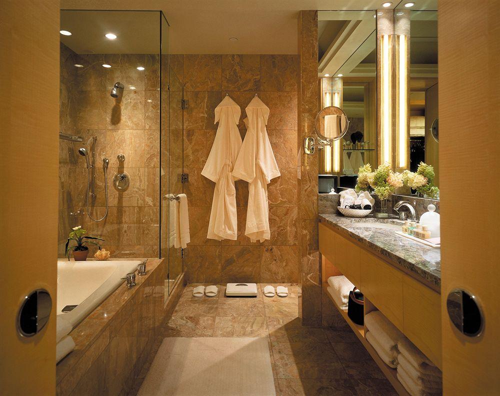 フォー・シーズンズ・ホテル・ニューヨーク Four Seasons Hotel New Yorkのバスルーム