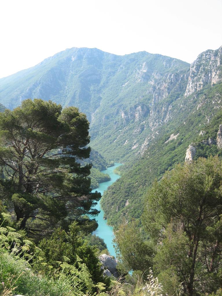 山から眺めたヴェルドン峡谷
