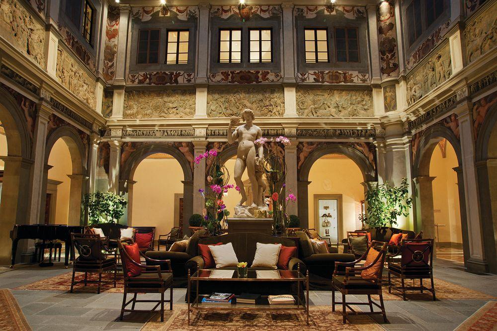 フォー・シーズンズ・ホテル・フィレンツェ Four Seasons Hotel Firenzeのロビー