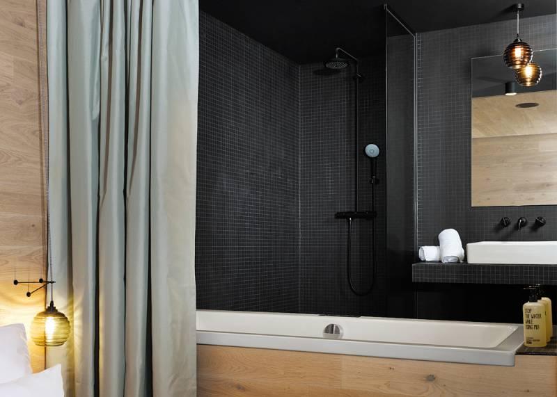 25アワーズ・ホテル・ビキニ・ベルリンのバスルーム