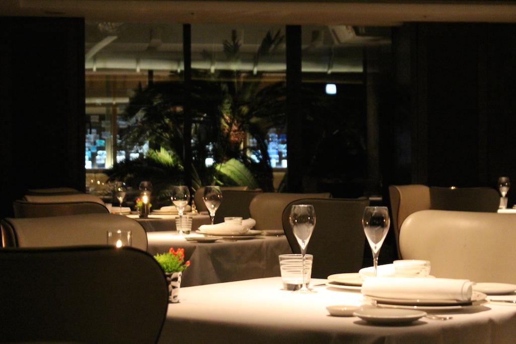 優雅な食事を楽しむ「ザ・リッツ・カールトン沖縄のレストラン」おすすめ3選