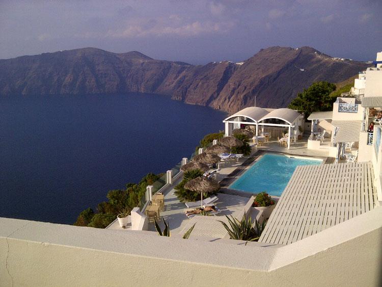 風光明媚なエーゲ海の隠れ家的ホテル「アシュタルテ・スイーツ」