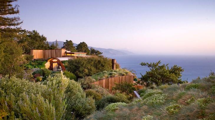 西海岸有数の景勝地に建つ「ポスト・ランチ・イン」