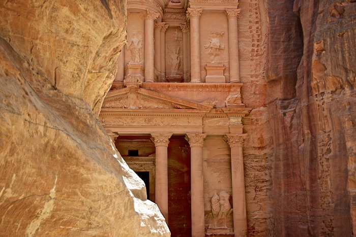 死ぬまでに一度は行きたい世界の絶景:ヨルダンのペトラ