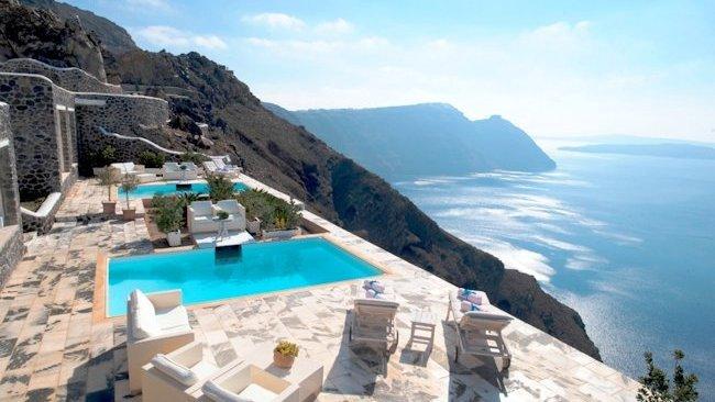 奇跡の絶景を独り占めできるエーゲ海のホテル「CSky ホテル」