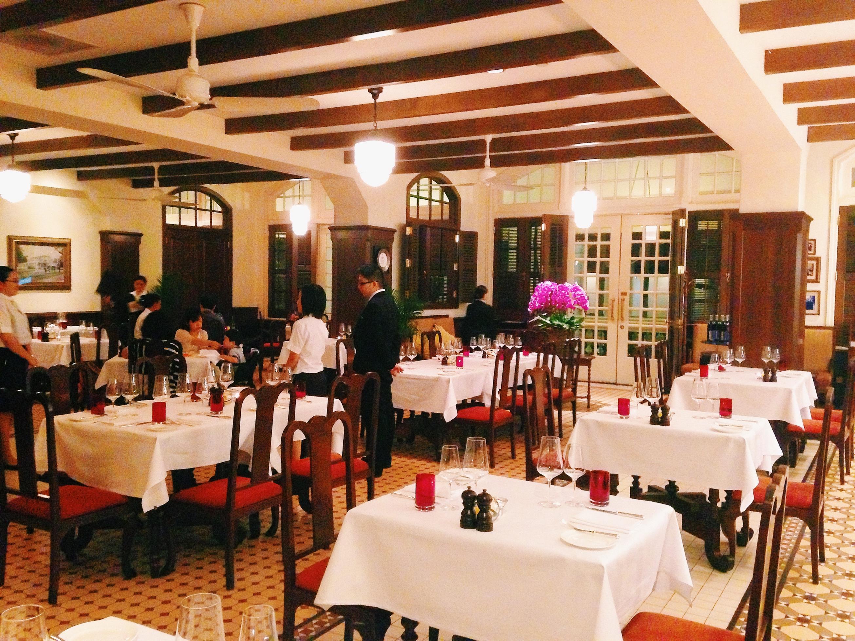 ラッフルズ・ホテル・シンガポールのロング・バー・ステーキハウス