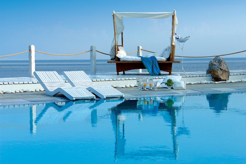 キヴォトス・ラグジュアリー・ブティック・ホテル Kivotos Luxury Boutique Hotelのプール