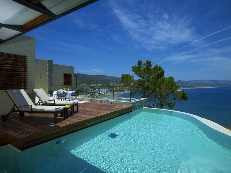 ギリシャのロードス島でリラックスした滞在を味わう「リンドス・ブルー」