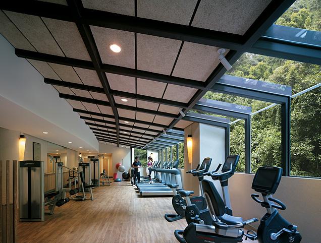 シャングリラ・ラサ・セントーサ・リゾート&スパのトレーニングルーム