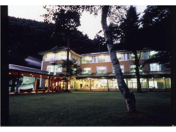 サニーデ・リゾート<ホテル&湖畔別邸・千一景>
