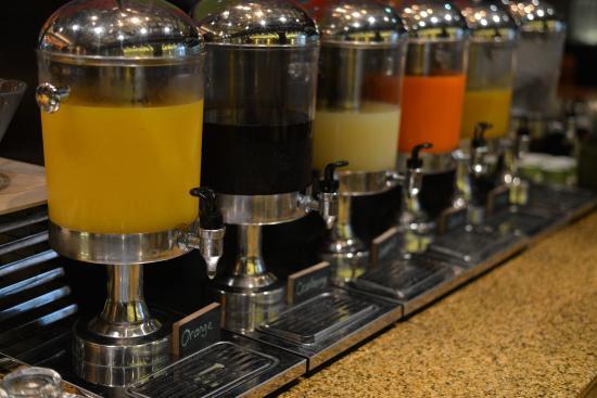 ホテル・ジェン・タングリン・シンガポールの朝食(ジュース)